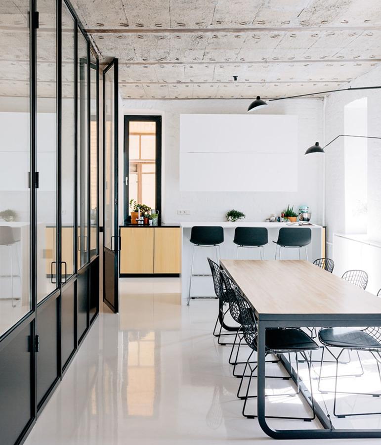 Suelos de resina o pavimento epoxy c mo y d nde usarlos for Pavimentos para cocinas