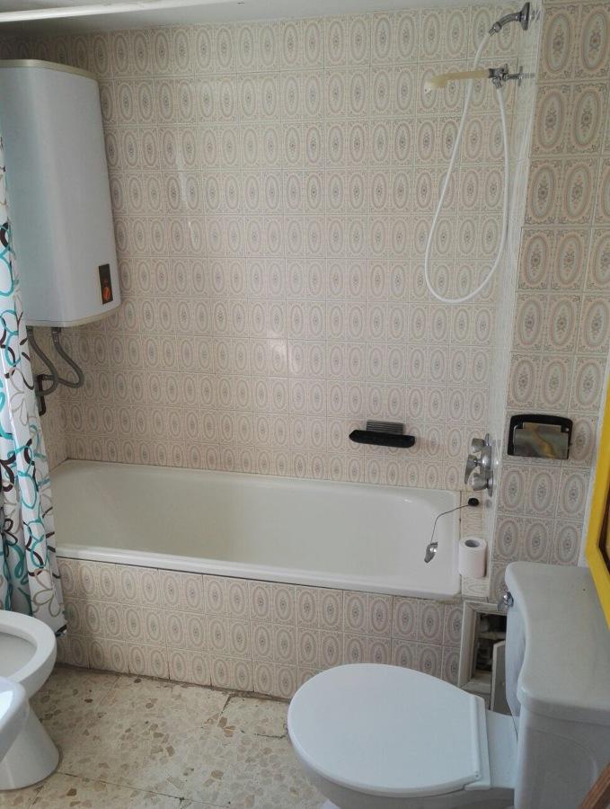 Aspecto de baño antes de reformar