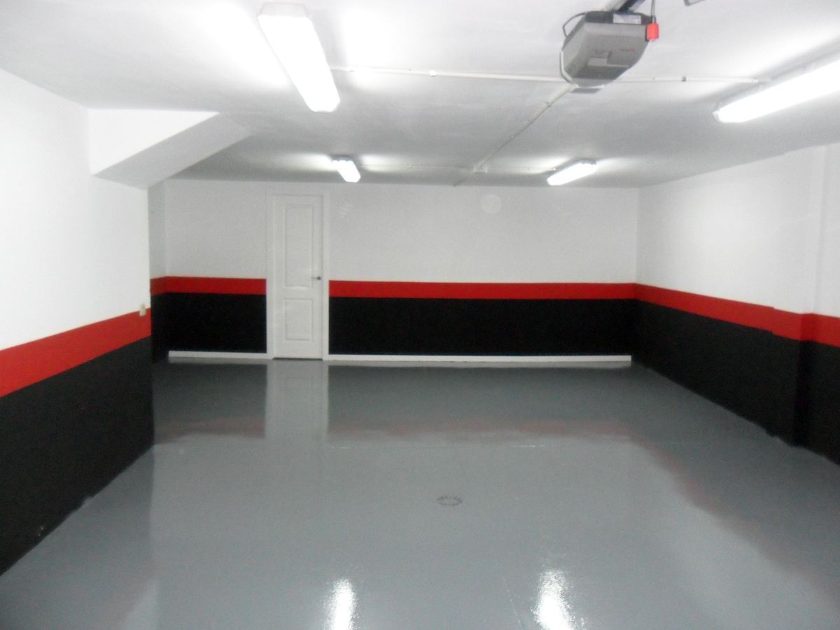 Autonivelante resina epoxi en garaje chalet ideas pavimentos continuos - Pintura suelos garaje ...