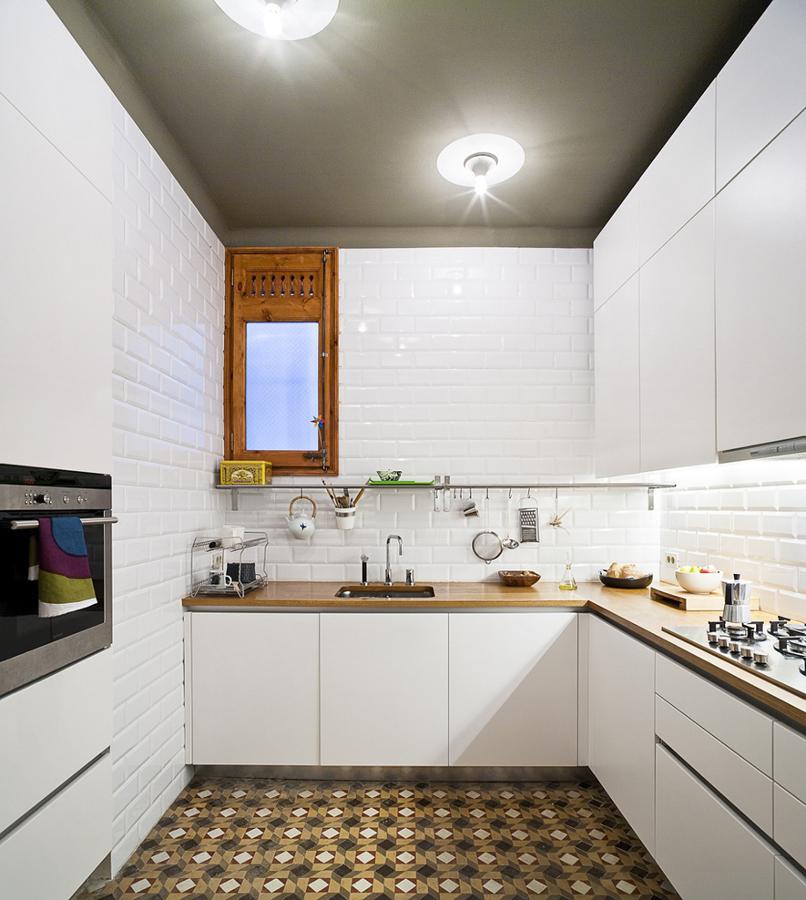 La versatilidad del azulejo tipo metro ideas alba iles - Azulejos blancos cocina ...