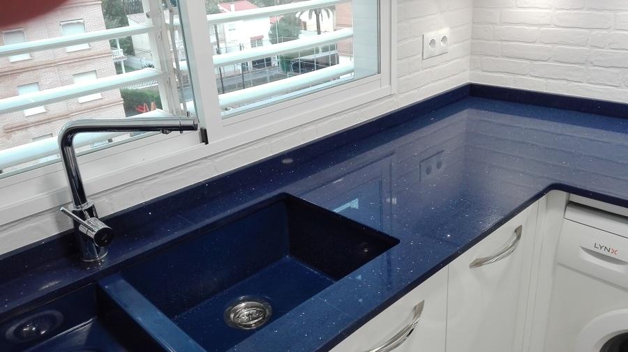 Apartamentos delta ideas reformas cocinas for Azulejos keraben cocinas