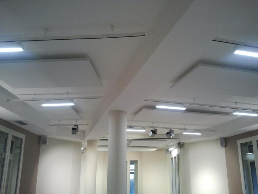 Bafles de absorción acústica en techos