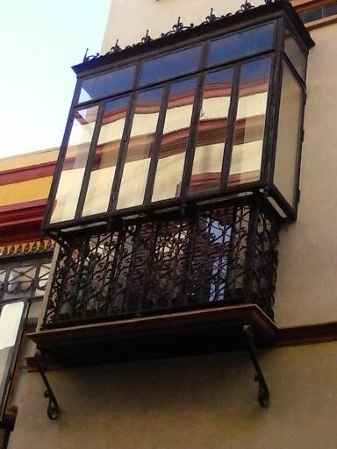 Restauraci n de balcones en c santa clara sevilla - Balcones cerrados ...