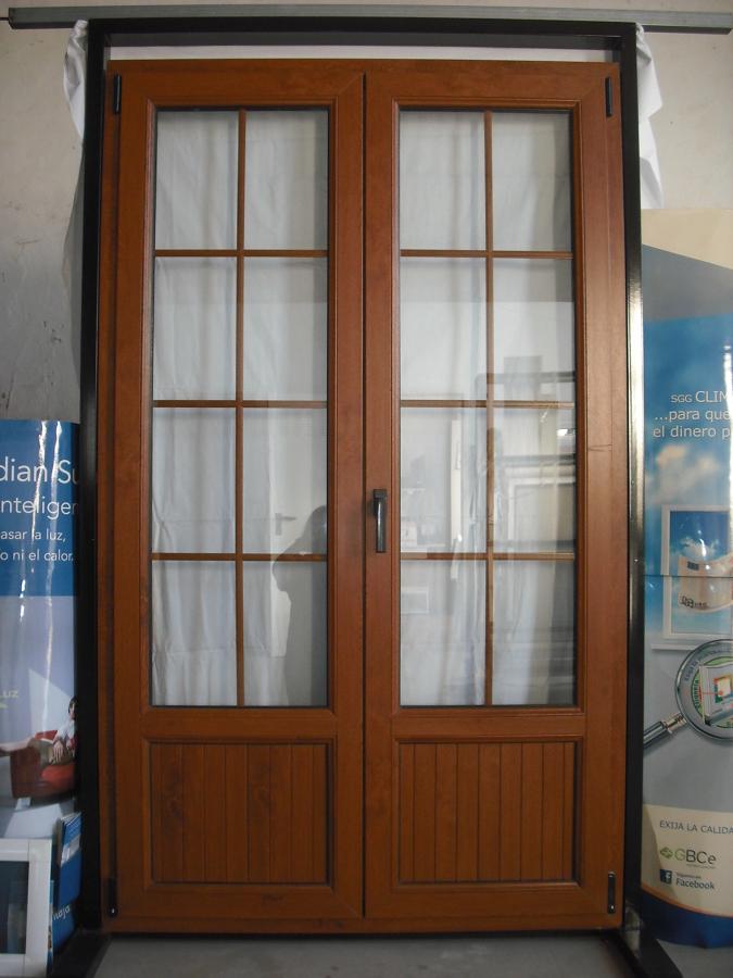 Puerta ventana de pvc en roble dorado ideas construcci n - Puerta balconera aluminio ...