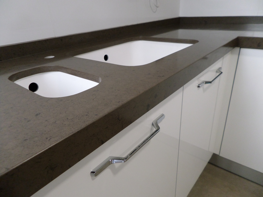 Simple Bancada De Cocina En Silestone Marron Amazon Marmoles Monserrat With  Marmoles De Cocina.