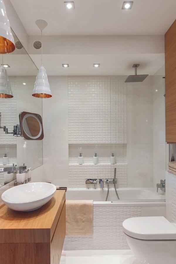 Bañera con hornacinas