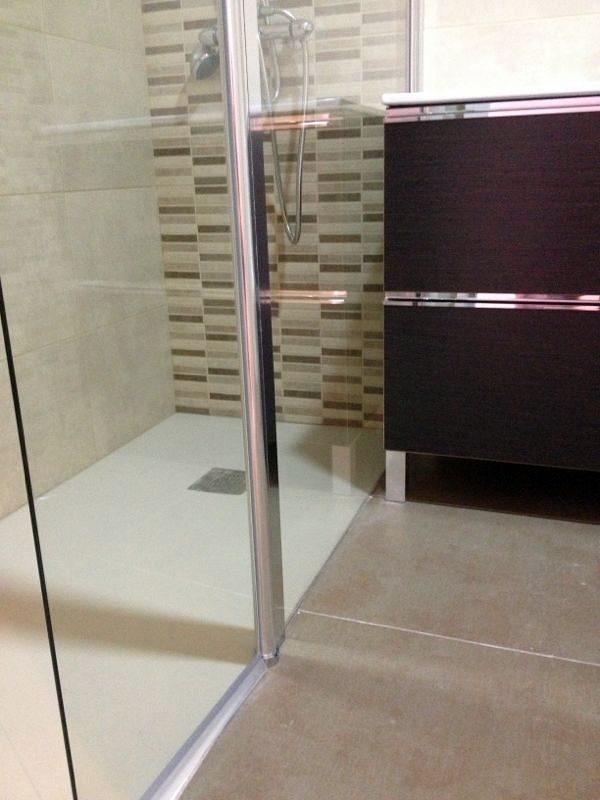 Reforma Baño Banera Por Ducha:Cambio de Bañera por Plato de Ducha Enrasado