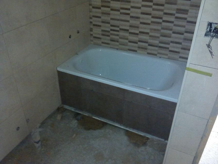 Bañera y alicatado