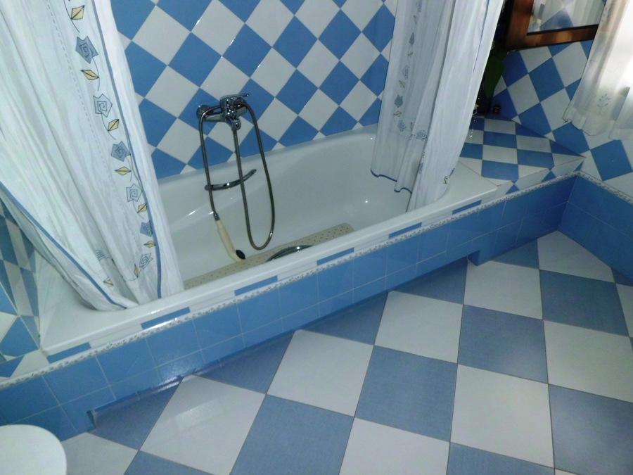Bañera y suelo baño 2