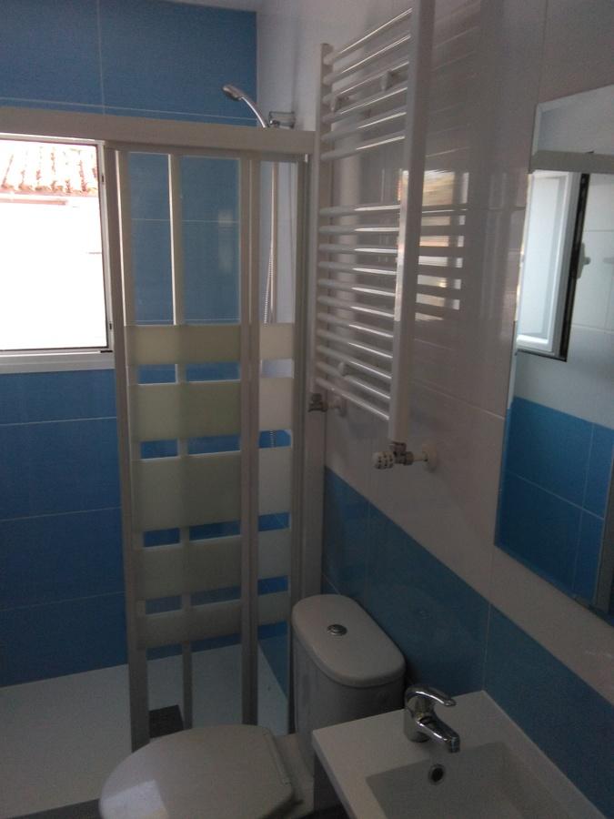Obra en madrid ideas reformas viviendas for Bano bajo escalera planta