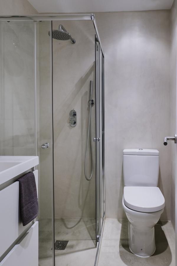 Baños De Microcemento Opiniones:El baño es de microcemento, paredes y suelo, para dar una sensación