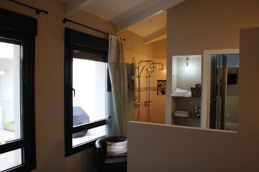 Baño abierto dormitorio principal