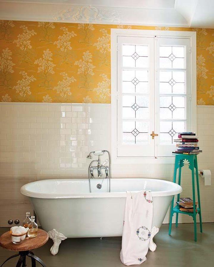 Baño clásico con bañera exenta