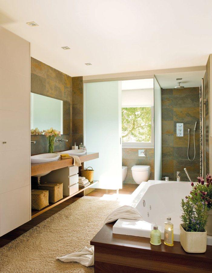 Foto ba o con dos lavabos y ba era de marta 871179 for Banos chicos con banera