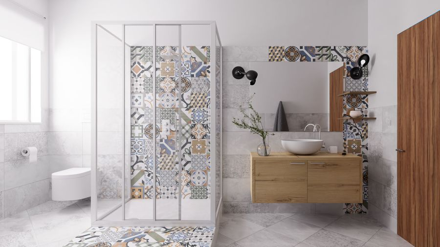 Baño con ducha y azulejo estampado