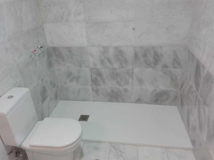 Baño con el nuevo plato de ducha