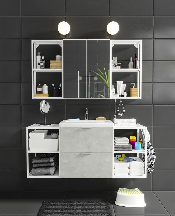 Baño con frente imitación cemento IKEA 21.