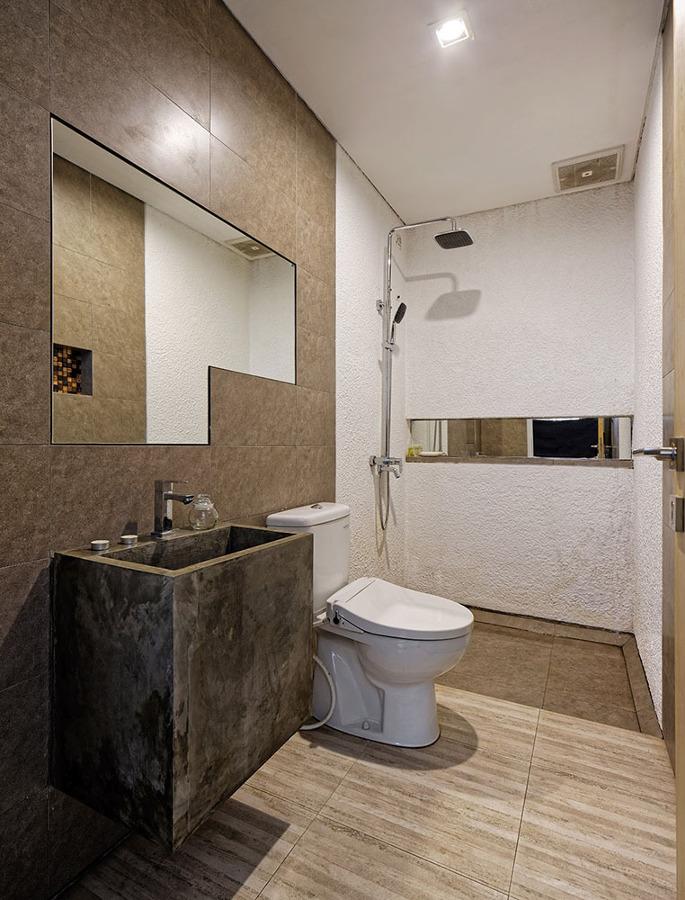 Foto ba o con lavabo de microcemento de gabri garcia - Bano con microcemento ...