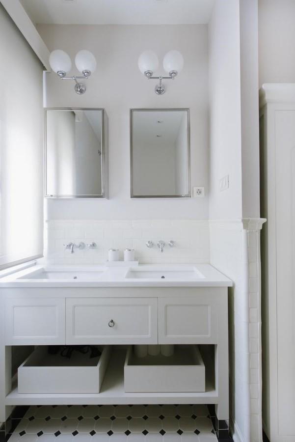 Baño con lavabo doble