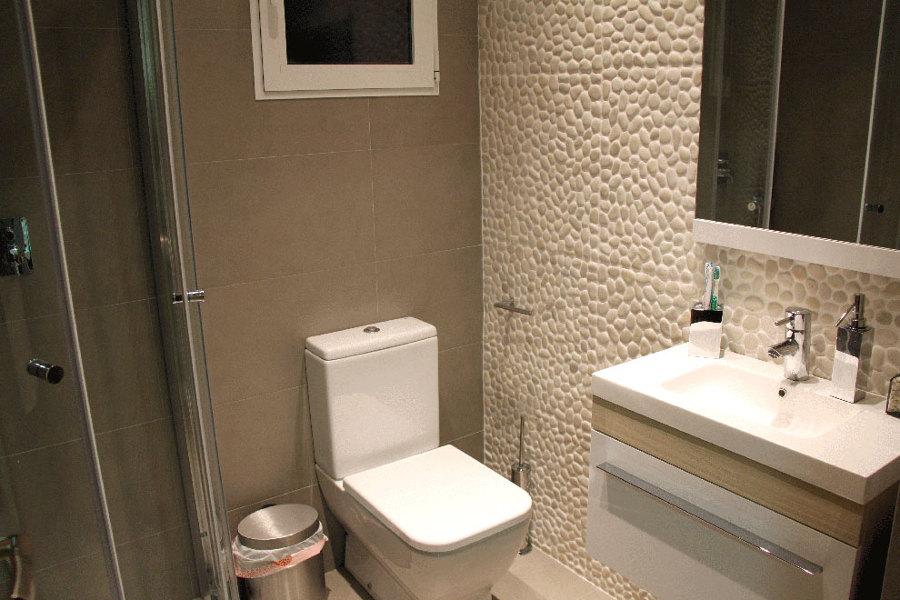 Muebles Baño Amado Salvador Valencia : Foto ba?o con pared de piedras ri? cer?mica amado