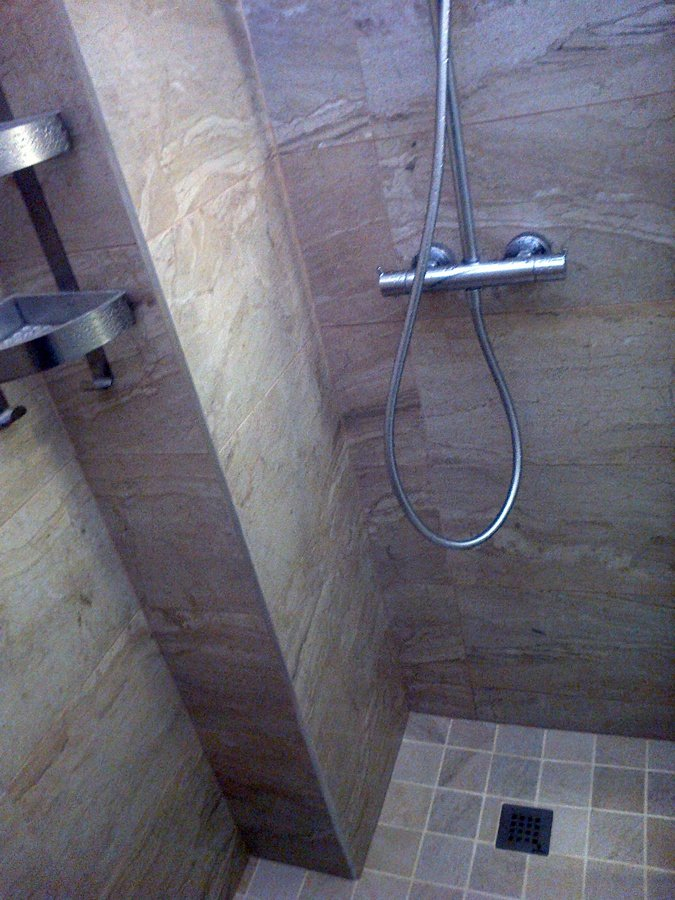Foto ba o con plato de ducha de obra de roman 457283 for Ver banos con ducha