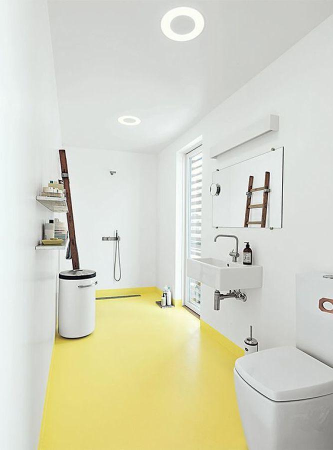 baño con suelo de resina