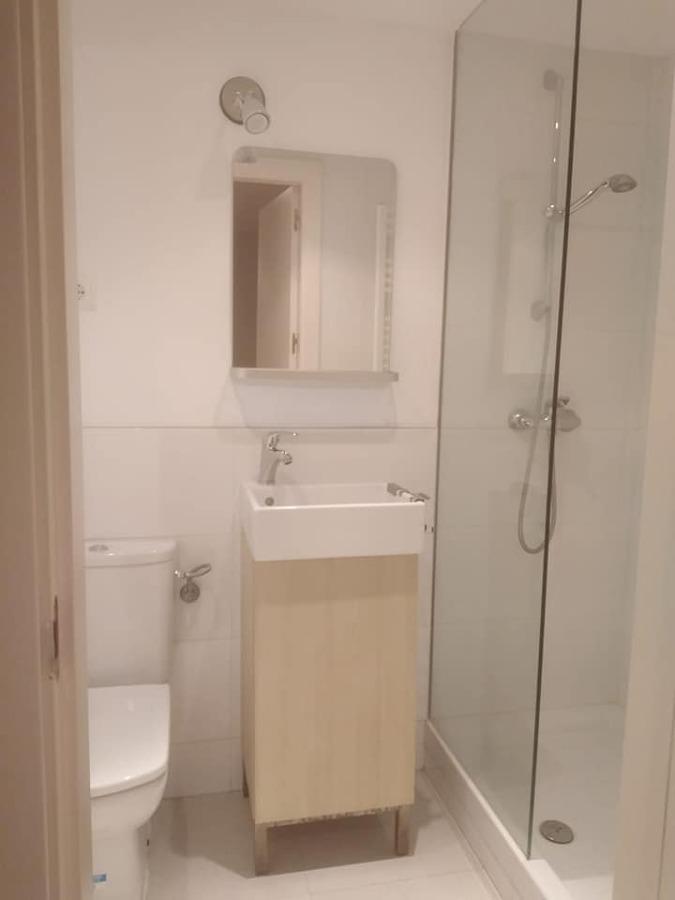 Baño de zona servicio
