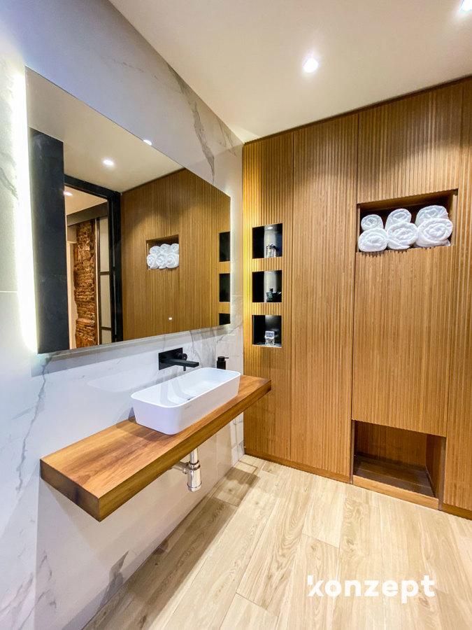 Baño lavabo y armario