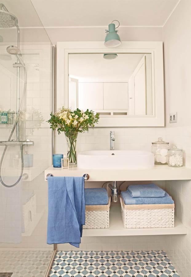 Quitar la cal de la mampara awesome como quitar la cal de la mampara de plastico fabulous - Como limpiar la mampara de la ducha ...