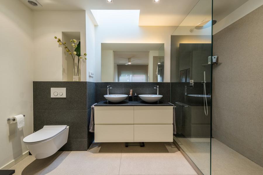 Baño | Maurici Serrahima - STANDAL