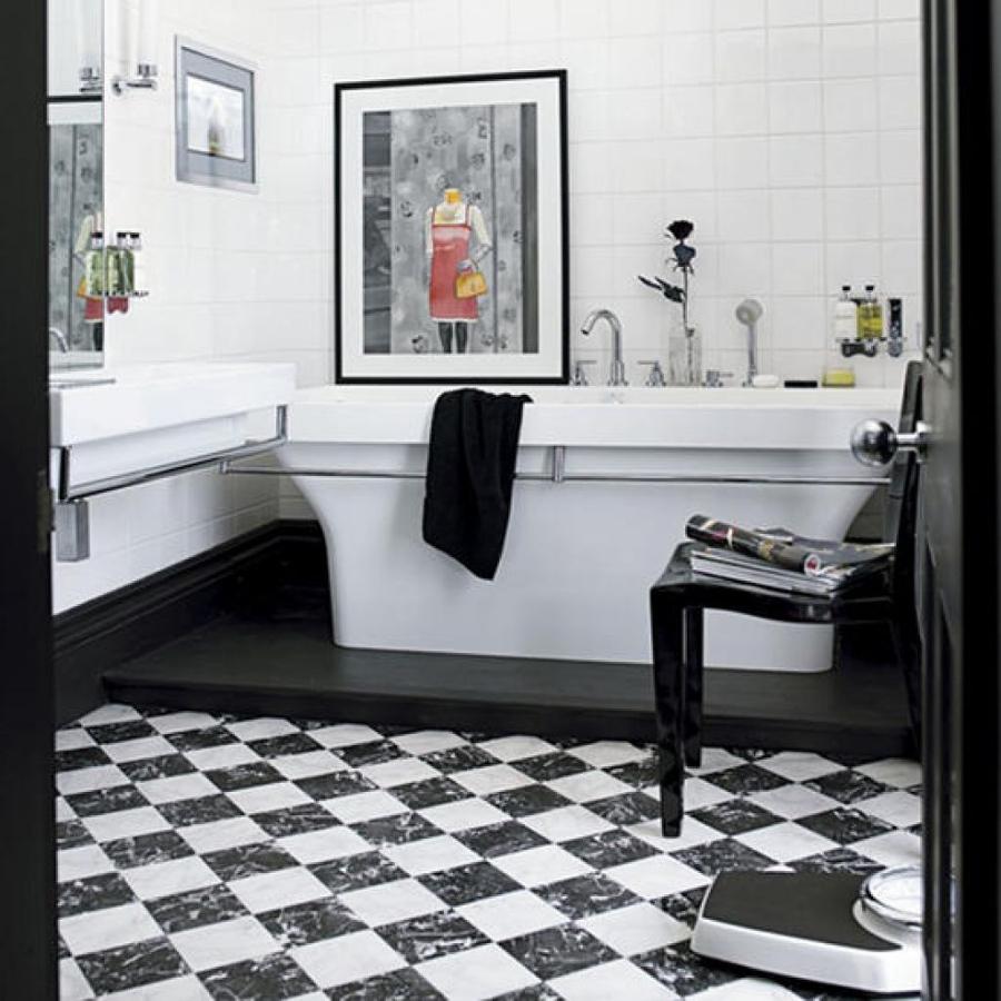 Baños Elegantes Blancos:Baños Negros, Contrastes Elegantes