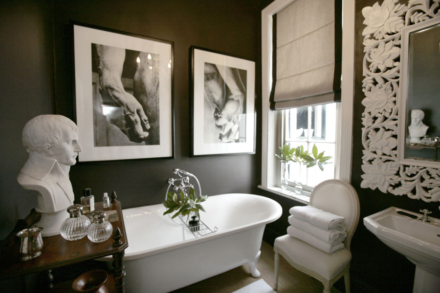Foto ba o negro con accesorios blancos de elenatorrente d az 1029085 habitissimo - Accesorios bano valencia ...