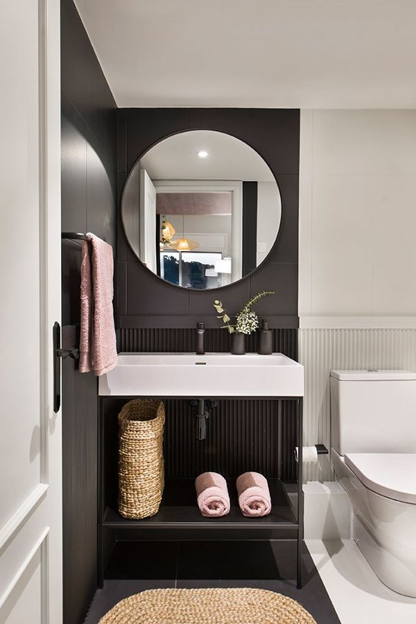 Baño pintado de negro