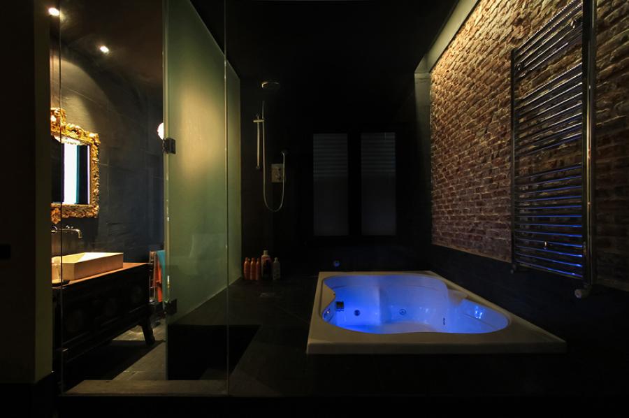 baño principal, bañera hidromasaje y ducha