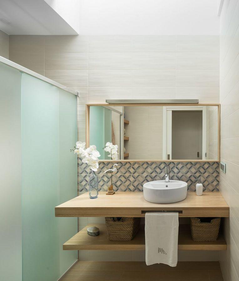Baño sin luz ni ventilación natural