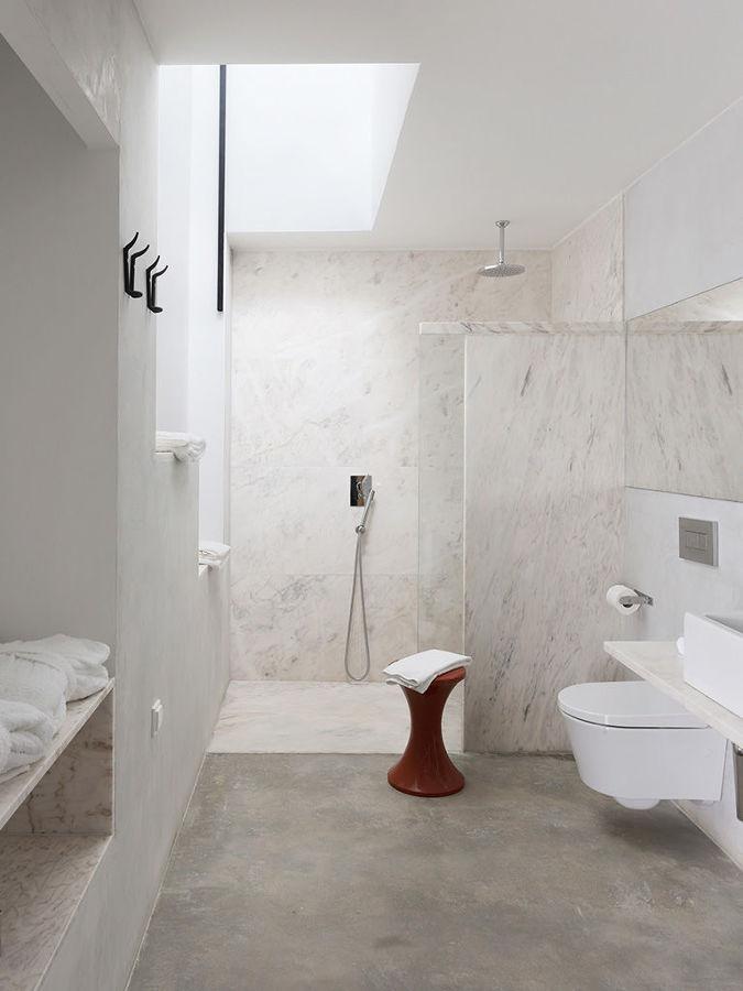baño suelo y paredes microcemento