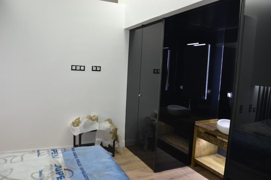 Baños Integrados En Dormitorio Mediante Cristal