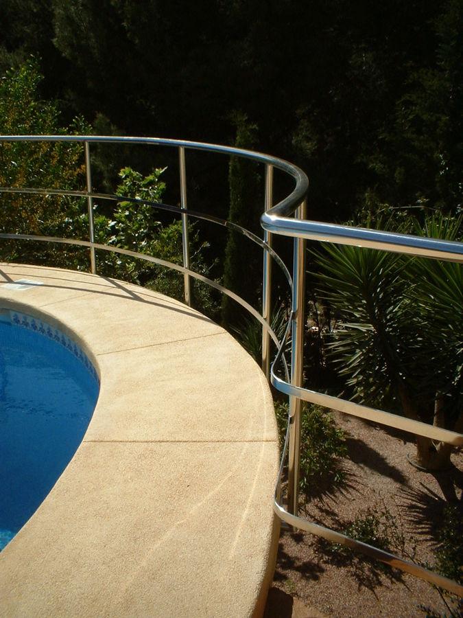 Barandilla de piscina en inox. aisi 316