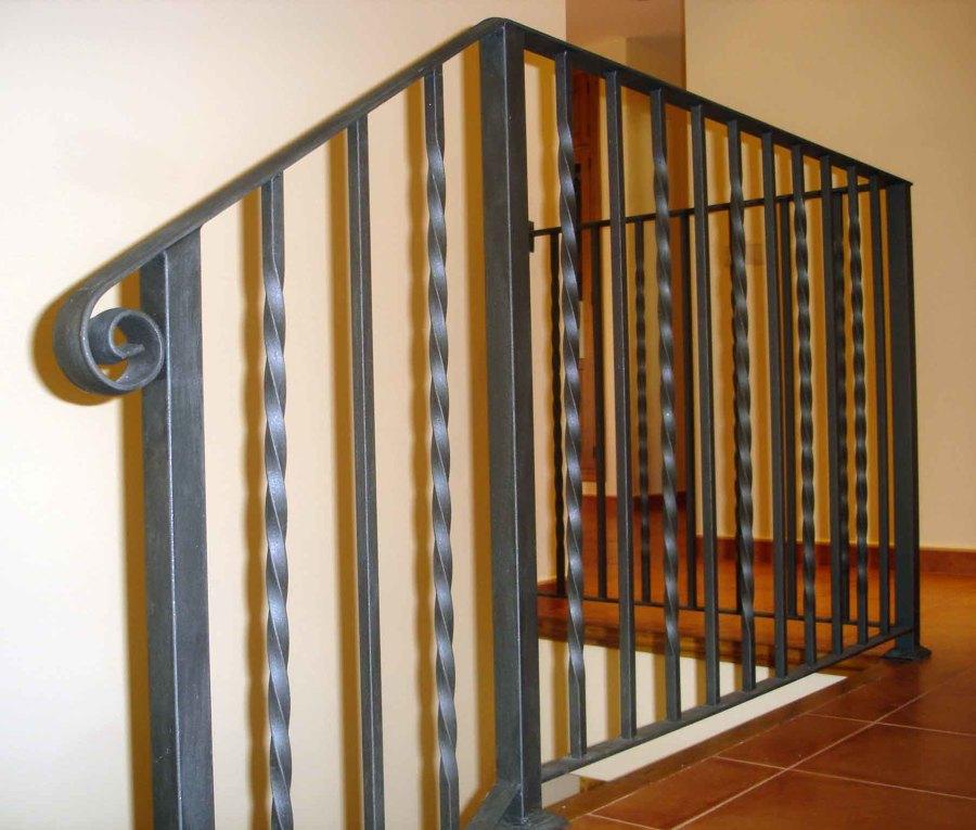 Foto barandilla forja de cerrajeria toledo 1188639 - Barandillas de forja para escaleras de interior ...