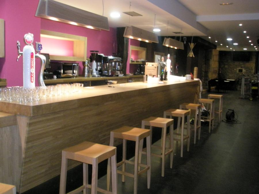 Foto barra bar de ebanisteria y carpinteria hiruko s l 368705 habitissimo - Barras de bar para salon ...
