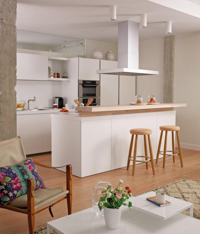 Imagen de cosina comedor con barra for Barras de cocina comedor