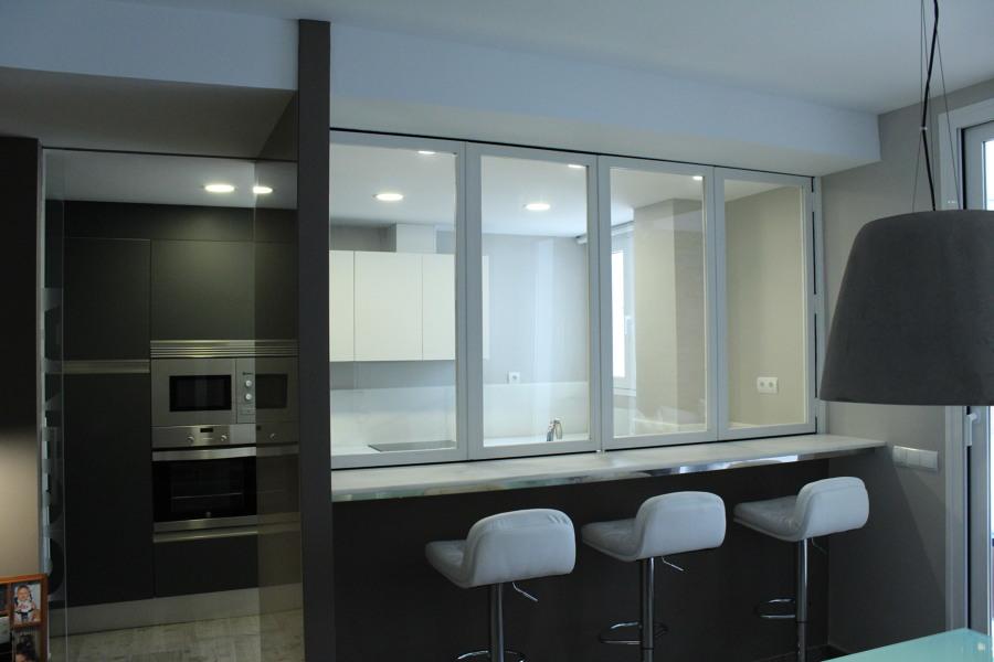 Reforma integral de piso ideas reformas viviendas - Encimeras de cristal para cocinas ...