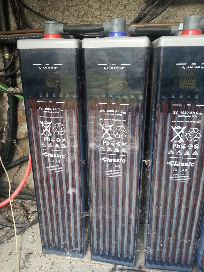 Baterías desecualizadas de plomo ácido.