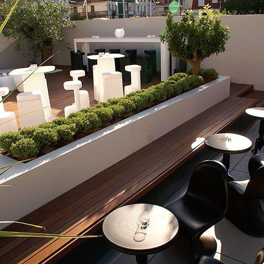 Bb lounge bar exclusividad exponencial ideas art culos for Asientos terraza