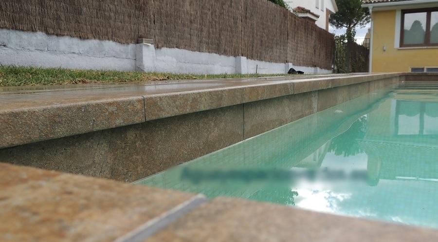 Foto borde porcelanico de aesver agua y espacios verdes - Espacios verdes malaga ...