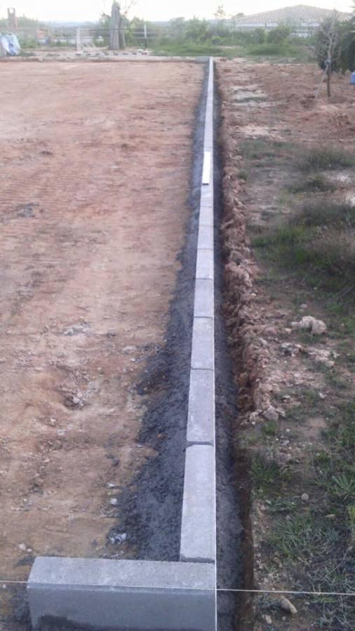 Bordillo perimetral campo futbol