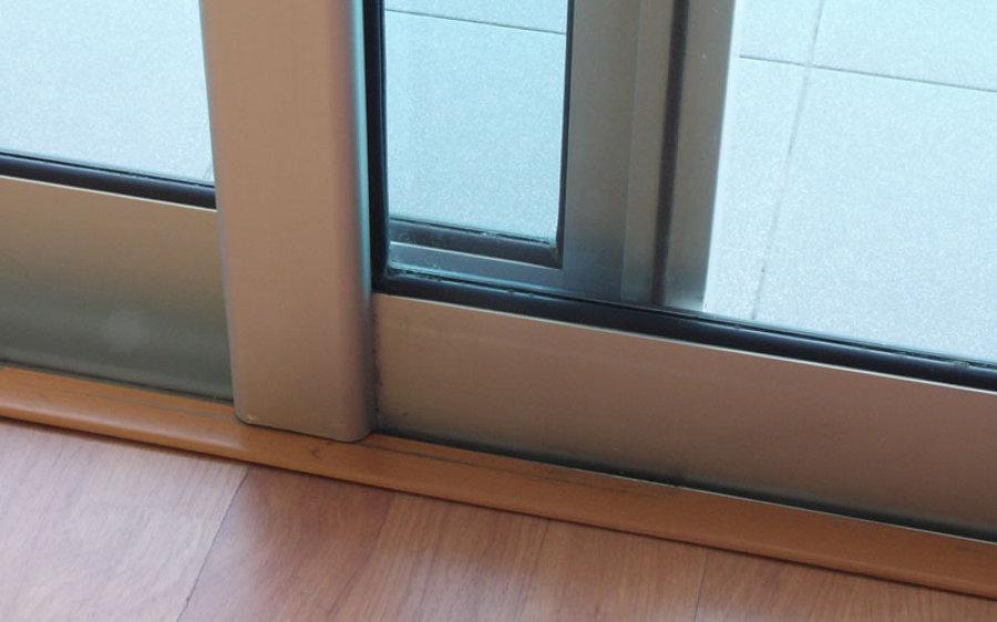 C mo colocar un burlete en la ventana ideas - Burlete para puertas ...