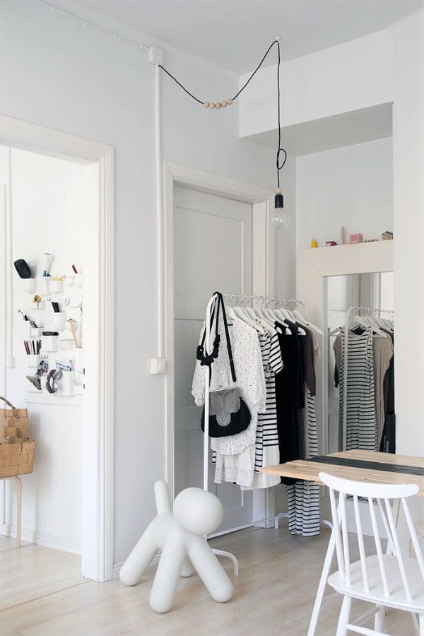 Soluciones para una habitaci n sin armarios ideas - Burros para ropa ...