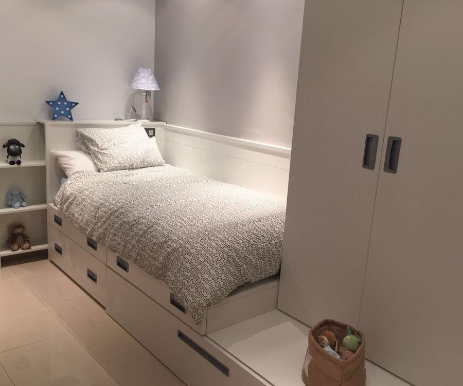 Cabecero y cama montadas