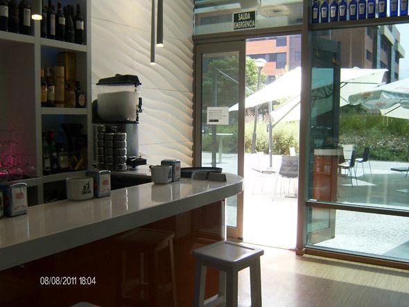 Caf bar con terraza braserito plaza ideas licencias for Cerramiento terraza sin licencia